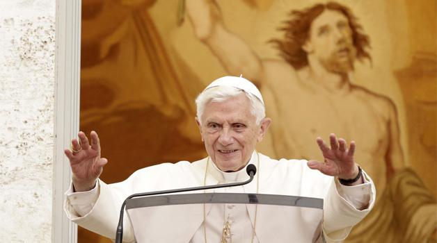 Le dimissioni del Papa, boom su Twitter
