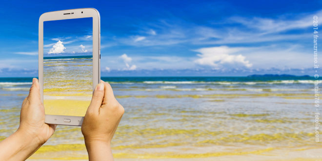 Il 40% degli italiani attaccati allo smartphone anche in vacanza