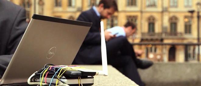 Utenti pericolosamente distratti quando usano Wi-fi pubbliche [Indagine]