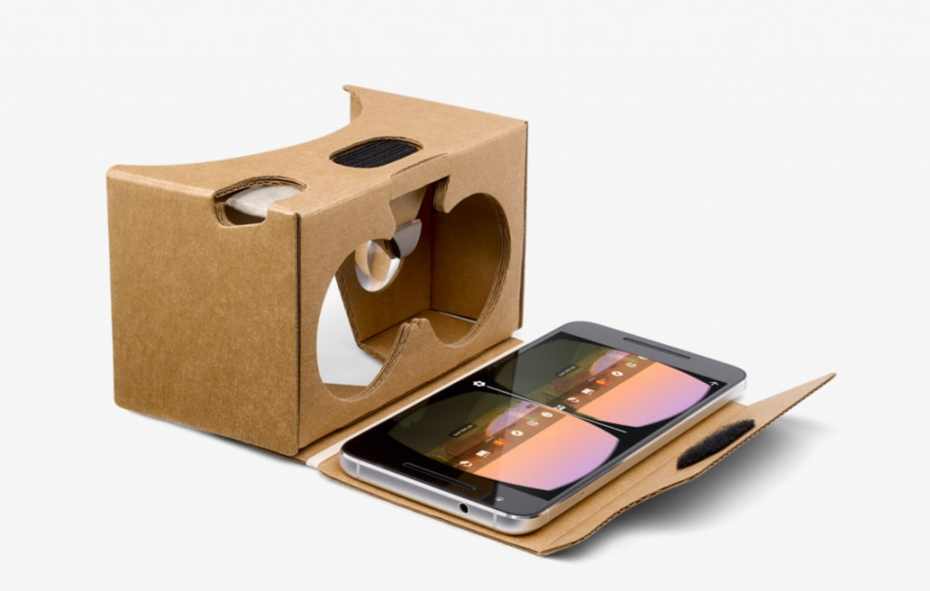 Google cardboard smartphone