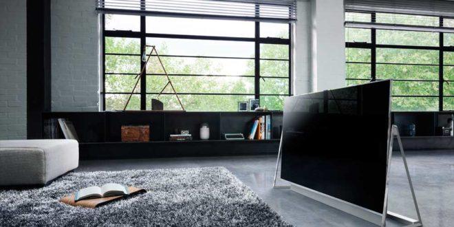 Panasonic reinventa il televisore con il nuovo DX 800