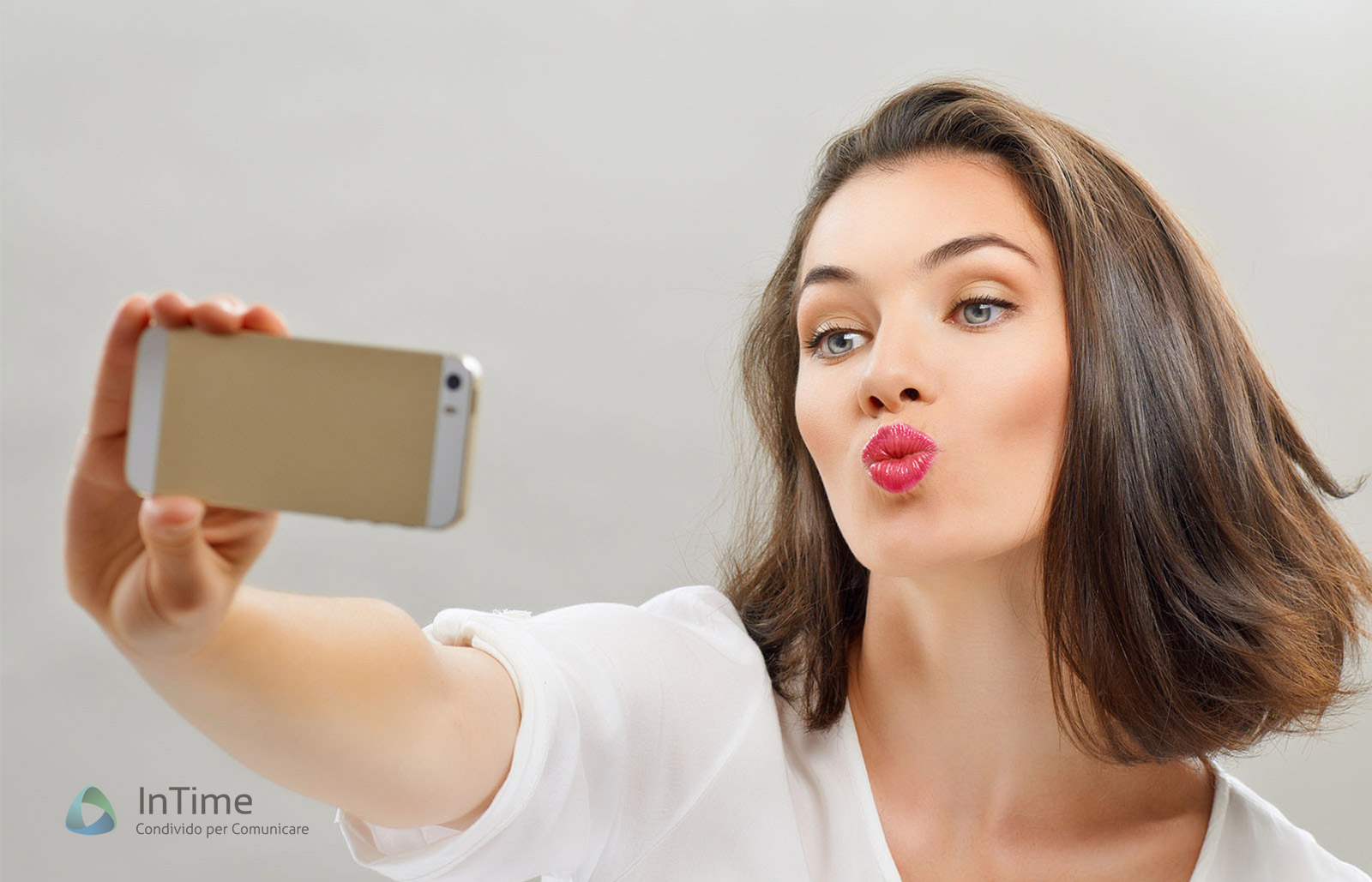 Selfie, ecco i profili degli appassionati dell'autoscatto